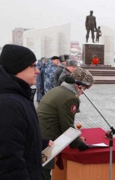 Губернатор Челябинской области Алексей Текслер вручил сотрудникам Росгваадии ключи от новых автом