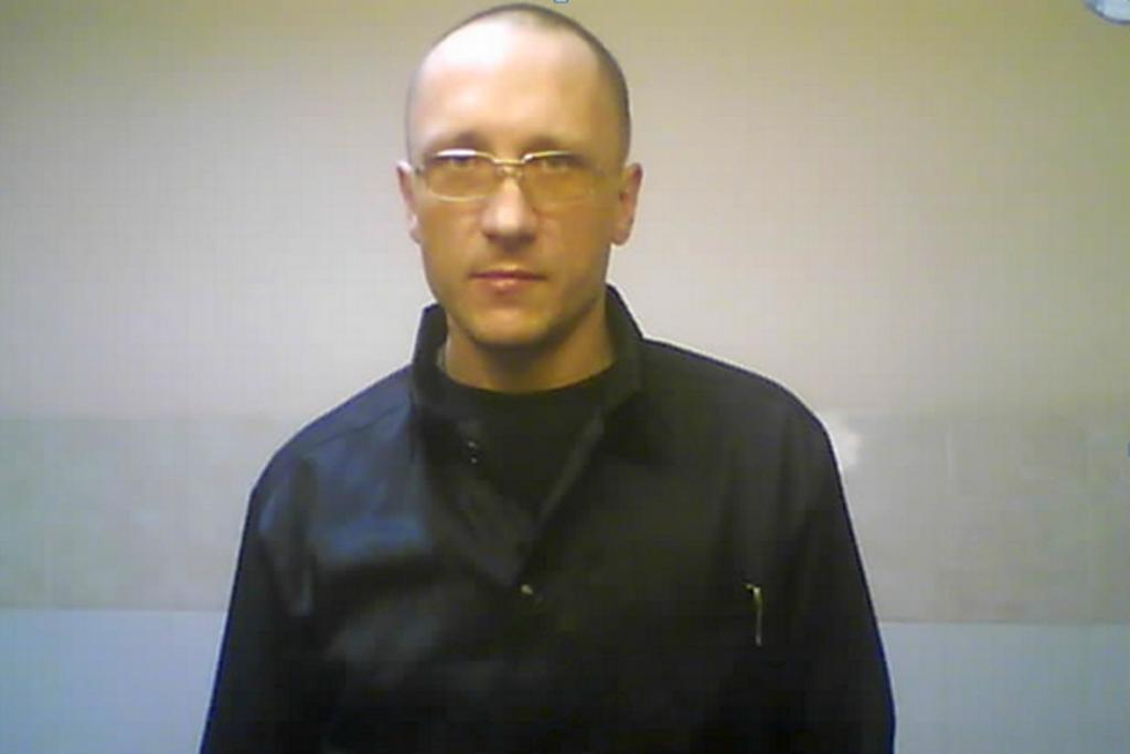 Как сообщало агентство «Урал-пресс-информ», находясь в камере следственного изолятора, многократн