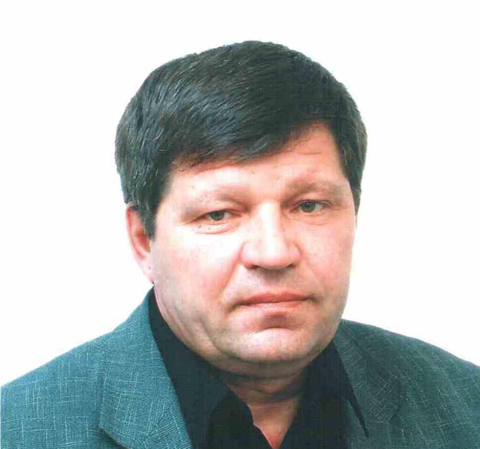 Почти год назад эту должность занимал Владимир Павленков. Он покинул пост по соглашению сторон 16
