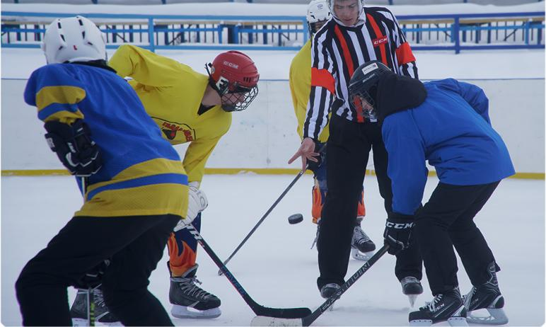 В Магнитогорске (Челябинская область) состоялись финальные игры XXI турнира по хоккею среди дворо