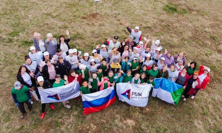 В 2021 году Русская медная компания (АО «РМК») в рамках Международной акции «Сад Памяти» организо