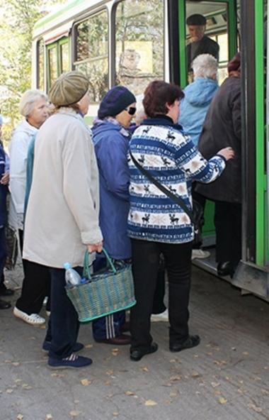 Правительство Челябинской области пока не меняет график запуска «садовых» маршрутовв регион
