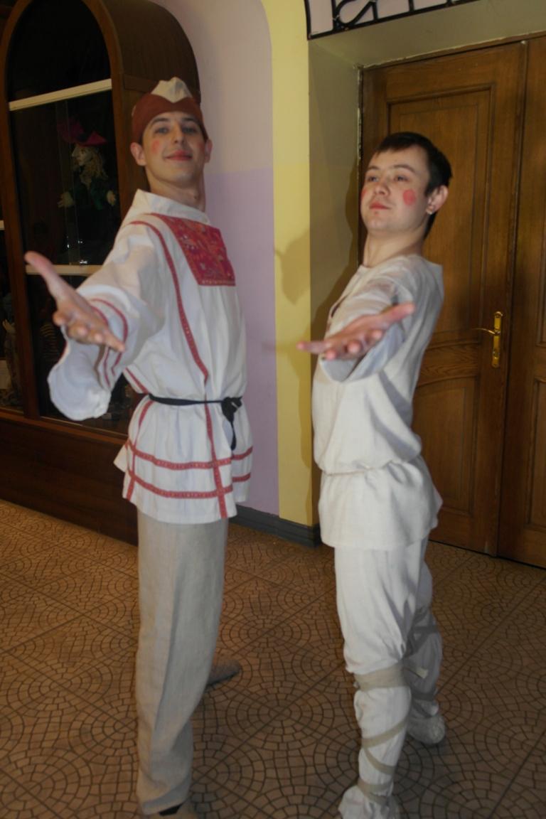 Его устроили для маленьких зрителей молодые актёры театра и студенты Южно-Уральского государствен