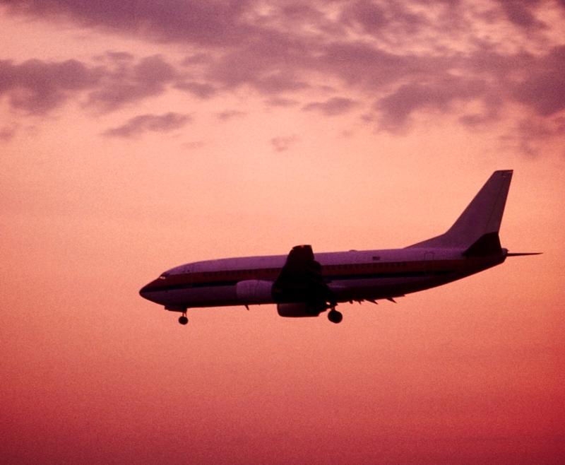 Киев объяснил введение санкций против российских авиакомпаний за полеты в Крым, нарушающие укра