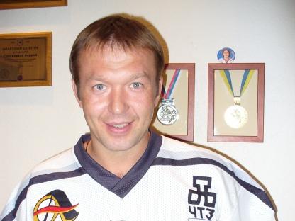 Андрей Викторович Сапожников родился 15-го июня 1971-го года в Челябинске. Воспитанник х