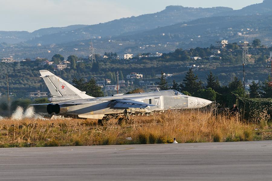 Министерство Обороны России официально подтвердило потерю самолета. Су-24 был сбит ракетой над те