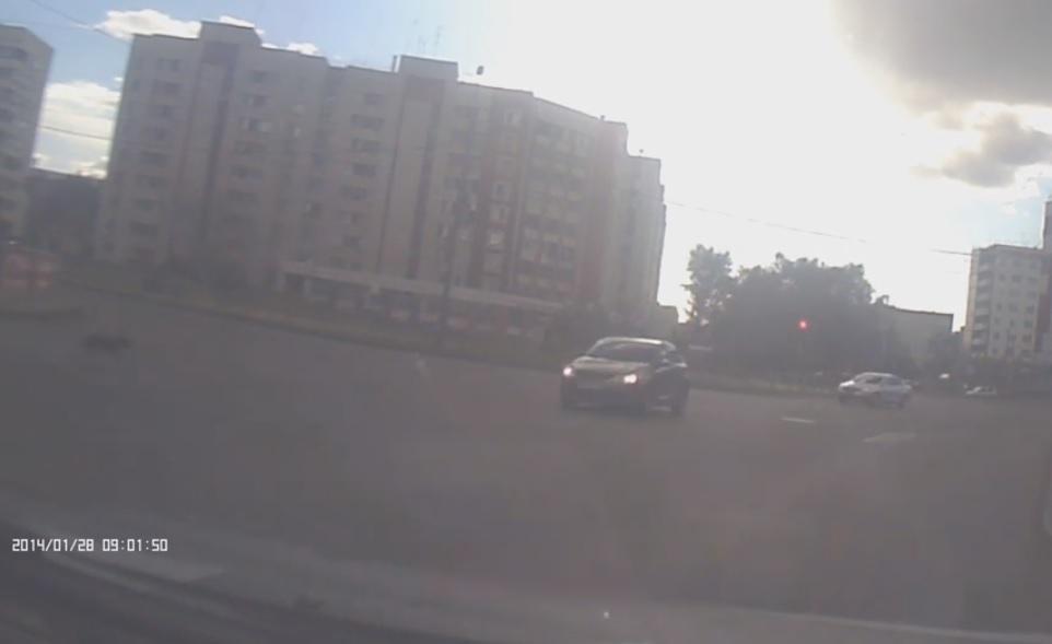 Видео дорожного происшествия появилось в социальной сети. Оно попала в поле зрения видеорегистрат
