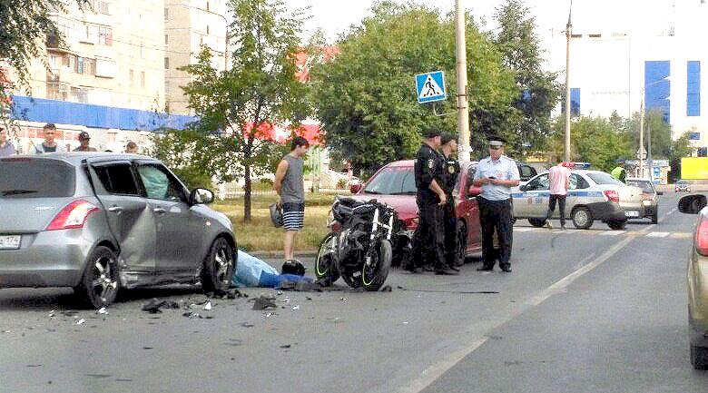 Как пишут в соцсетях свидетели ДТП, это случилось возле дома по улице Ворошилова, со стороны прое
