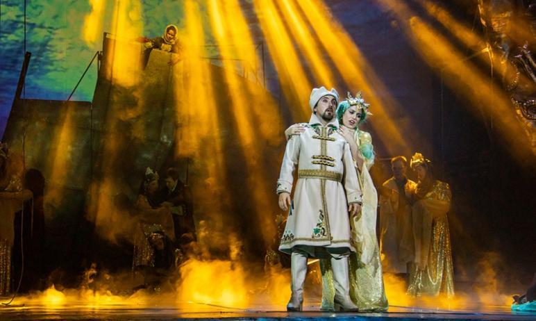 Челябинский театр оперы и балета имени Глинки в апреле порадует своего зрителя яркими дебютными в