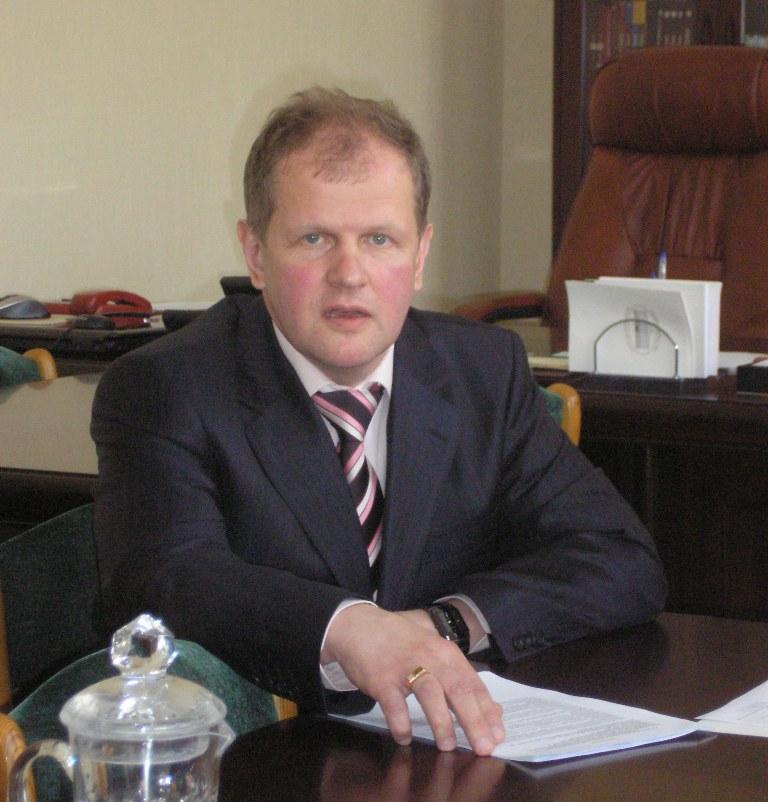 Напомним, что сегодня министер здравоохранения области подписал приказ о назначении 49-летнего Ол