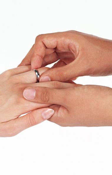 Женихи и невесты Южного Урала выбирают красивые даты для вступления в брак.  Например, 2