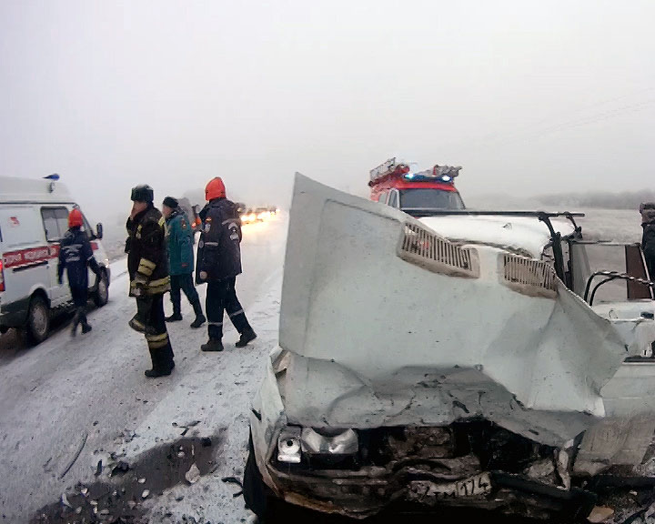 Сегодня, 14 ноября, в 8.10 Троицкий спасотряд областной службы выезжал на дорожно-транспортное пр