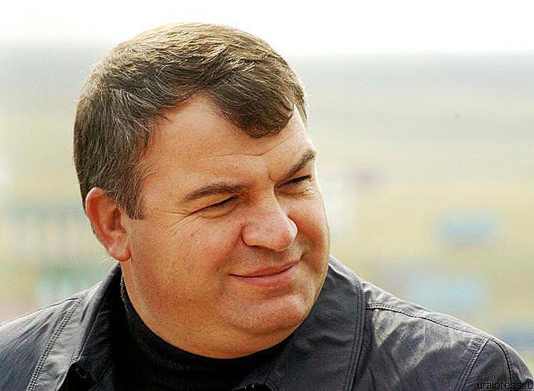 Назначение Сердюкова индустриальным директором компании «Газете.Ru» подтвердили в «Ростехе». До н