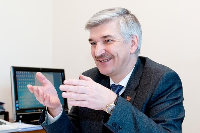 В повестке значились два вопроса - прекращение полномочий генерального директора ОАО «Златмаш» и