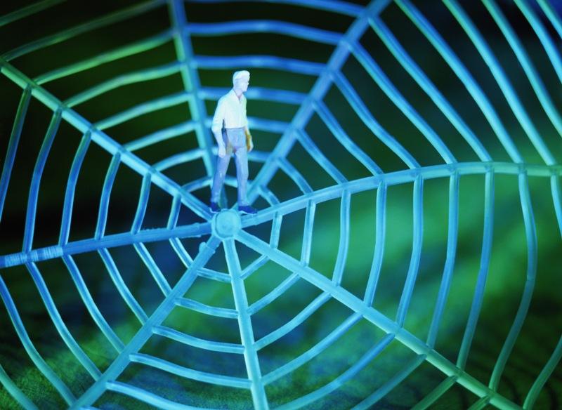 Технология VPN позволяет организовать удаленный доступ сотрудникам одной организации к базам данн