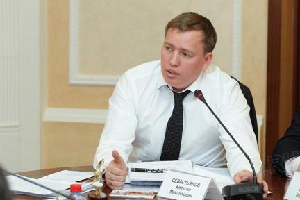 Как сообщил агентству «Урал-пресс-информ» Алексей Севастьянов, накануне нового 2015 года в частно