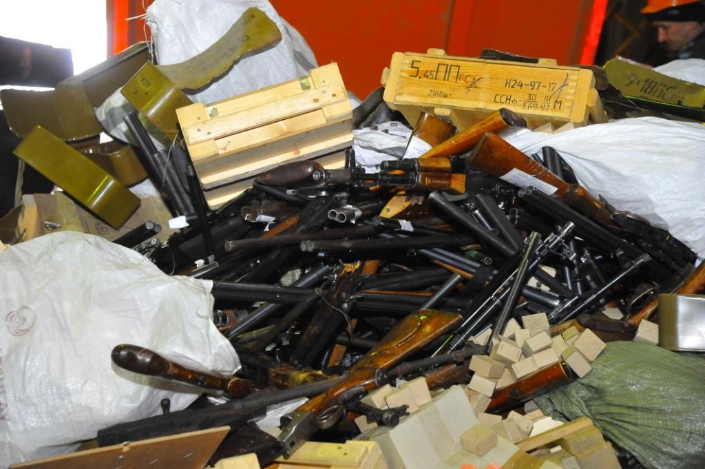 В одном из конвертеров ЧМК переплавили крупную партию найденного, изъятого сотрудниками МВД и доб