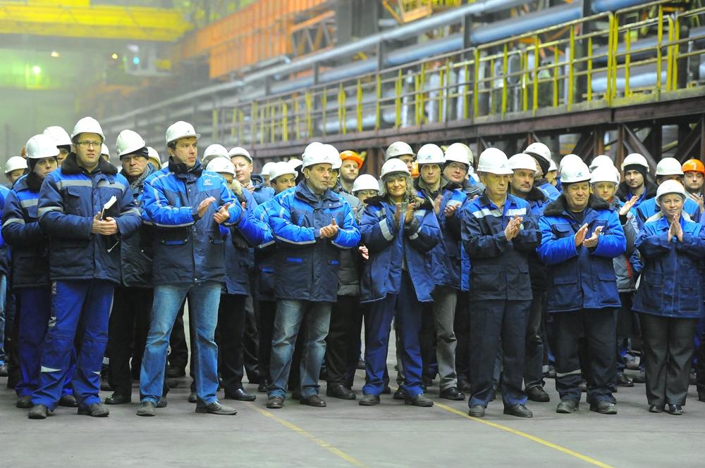 Миллионной тонной проката стал рельс для ОАО «Российские железные дороги». 100-метровые рельсы ис
