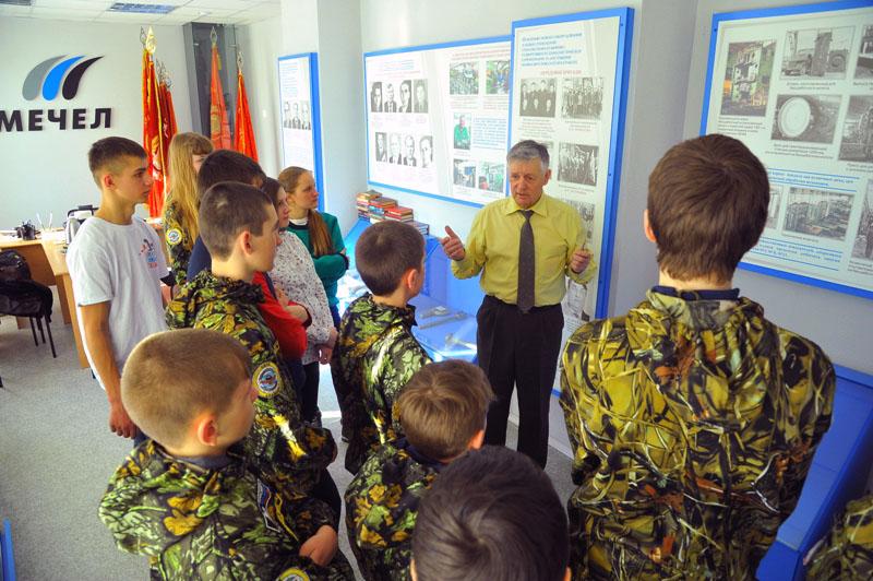 Как сообщает пресс-служба компании, опециально для юных патриотов металлурги «Уралкуза» изготовил