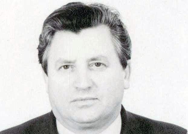 Виктор Шашков родился 12.09.1937 года в Чебаркуле, окончил Челябинский институт механизации и эле