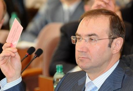 В этих документах парламентарий просит проверить поступившую ему из Челябинска информацию о предп