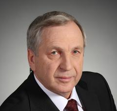 Из 18 депутатов, голосовавших за отставку Щекотова, один воздержался и один проголосовал против.