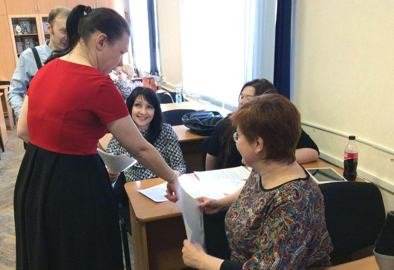 Во время обучения в школе для проверяющих участники курсов познакомятся с текстами диктантов прош