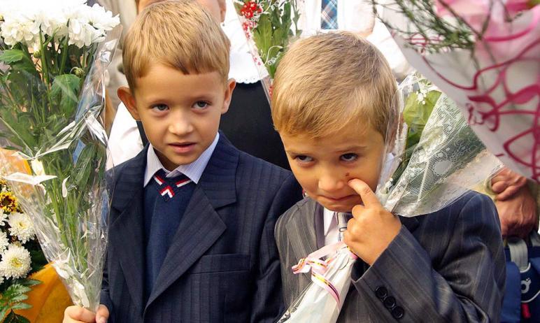В Челябинске стартует приемная кампания в первый класс. Уже с первого апреля родители будущих пер