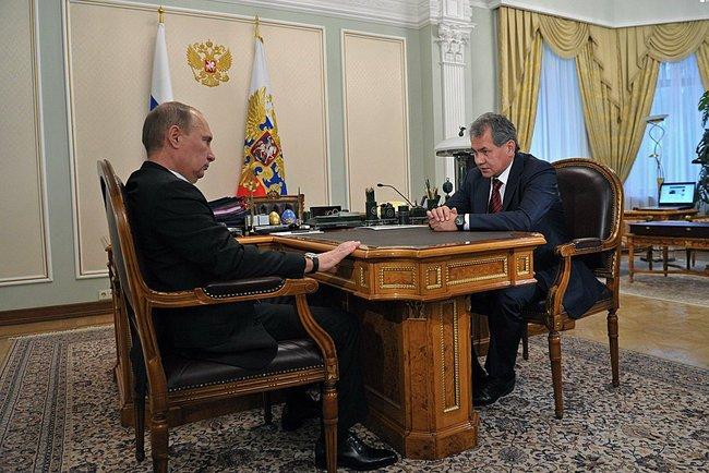 Об этом заявил президент Владимир Путин, объявляя об отставке главы военного ведомства во время с