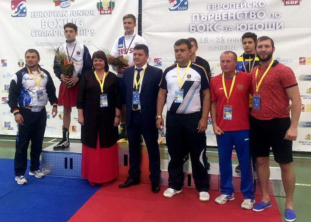 Челябинец Всеволод Шумков стал победителем первенства континента в весовой категории до 54 кг. Уч
