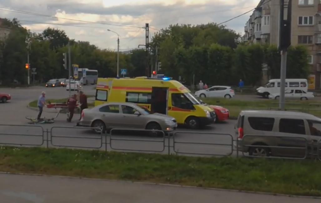 ДТП произошло 26 июля. По словам очевидцев, карета скорой помощи и реанимационный автомобиль ехал