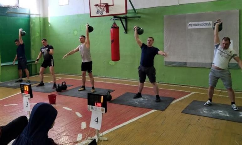 В ГУФСИН России по Челябинской области прошел чемпионат по гиревому спорту, посвященный памяти Се