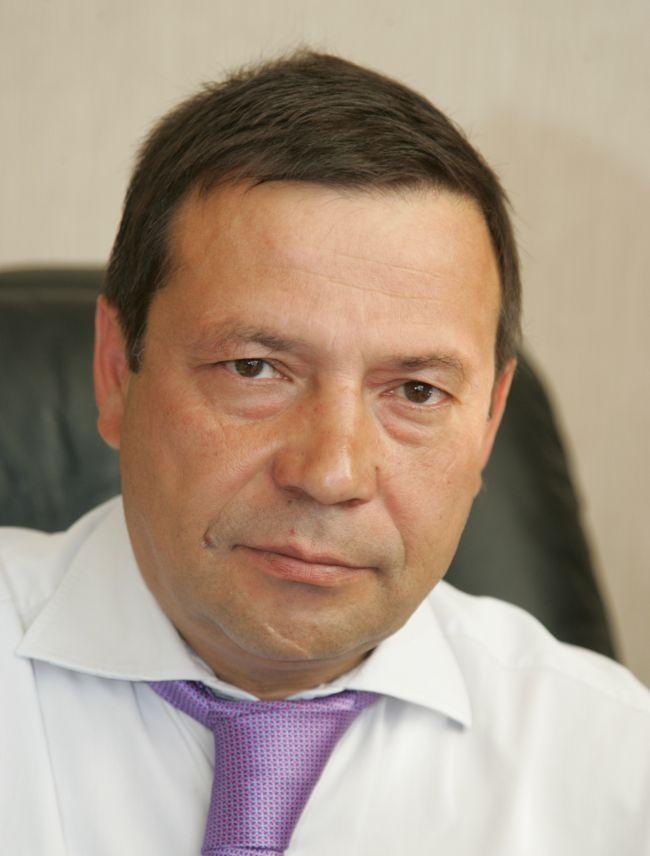 Получить комментарий Олега Слинькова о причинах неожиданного ухода пока не получилось –