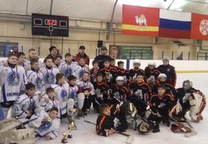 В банке рассказали, что сотрудничество банка «Снежинский» с хоккейным клубом Снежинска продолжает