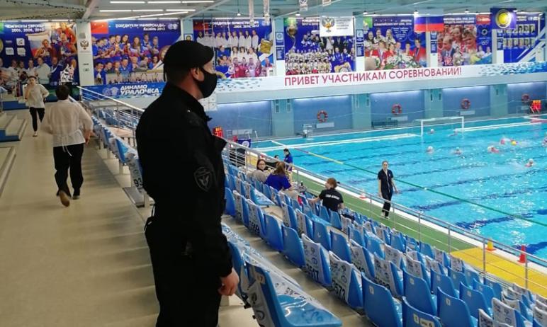 ОМОН управления Росгвардии по Челябинской области обеспечивают безопасность проведения второго ту