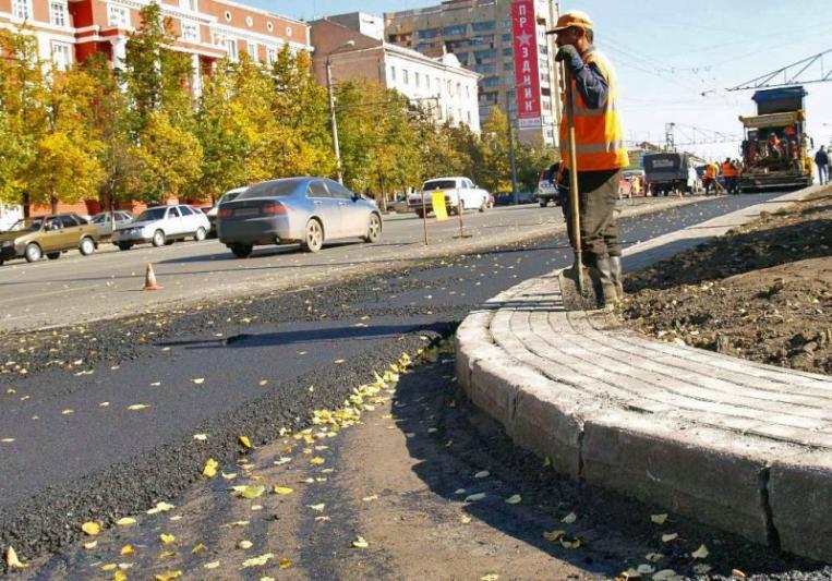 В пятницу днем дорожники приступили к ремонту улиц Чехова, Энергетиков, Бажова, Чоппа, Сталеваров