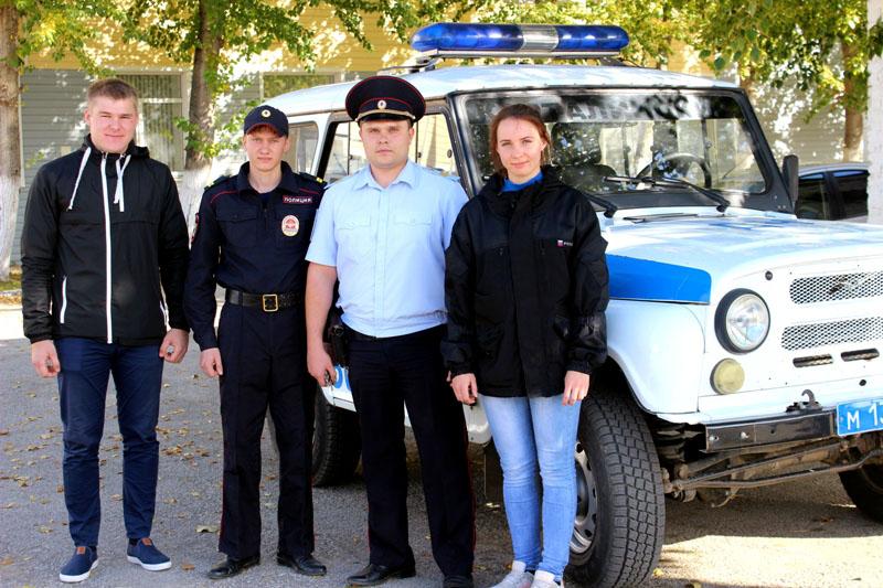 Ночной пожар в Карталах (Челябинская область) мог унести жизни трех человек. Семью из горящего до