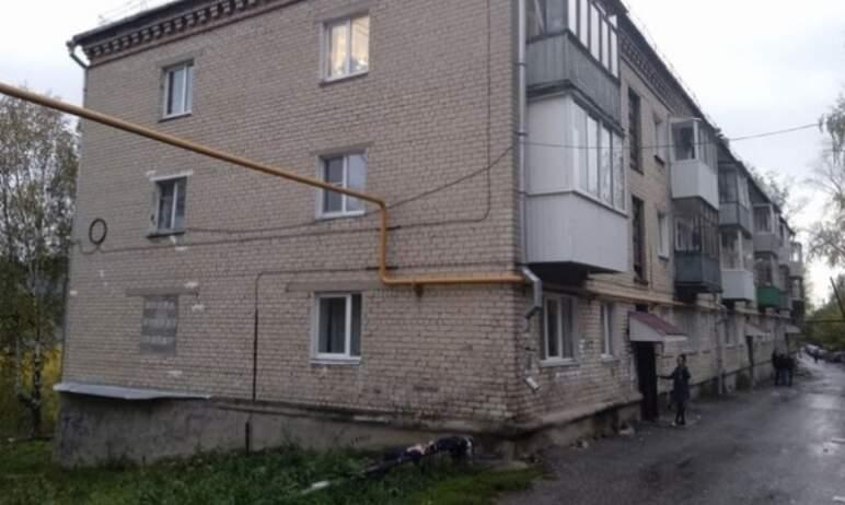 В Златоусте (Челябинская область) жильцы многоквартирного дома №113 по улице 2-я Тесминская изряд