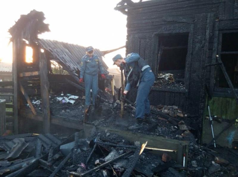 Четверо детей погибли, еще один взрослый пострадал при пожаре в жилом доме в деревне Верхняя Каба