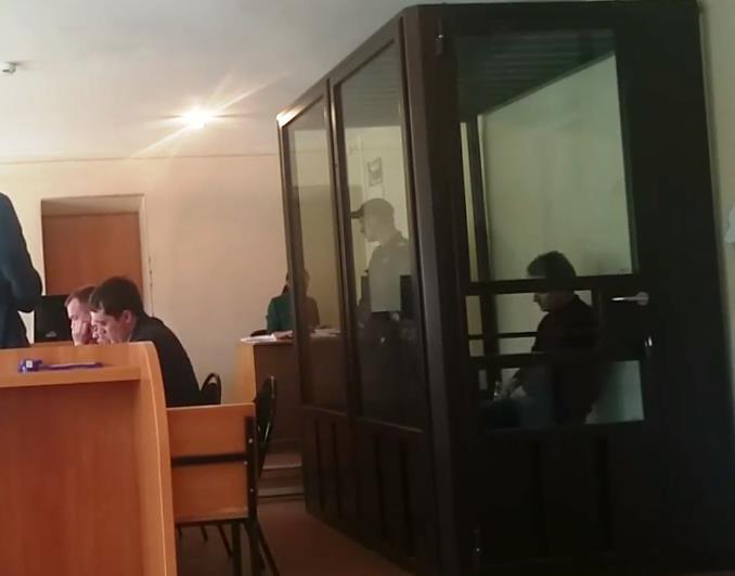 Следователь обратился в суд с ходатайством о продления срока содержания под стражей бывшего главы