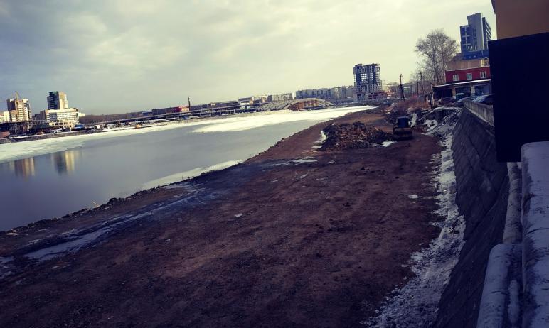 Подрядчик сорвал сроки благоустройства набережной Миасса в Челябинске, на участке вдоль южного бе