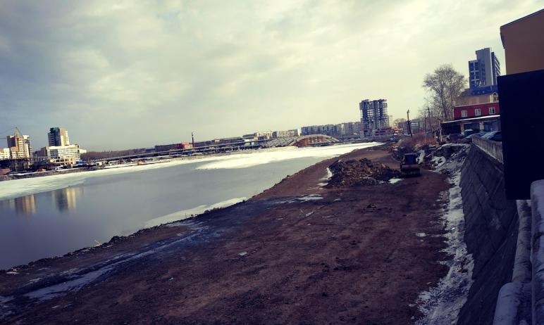 Набережная реки Миасс в Челябинске (участок вдоль южного берега, от улицы Кирова до створа улицы