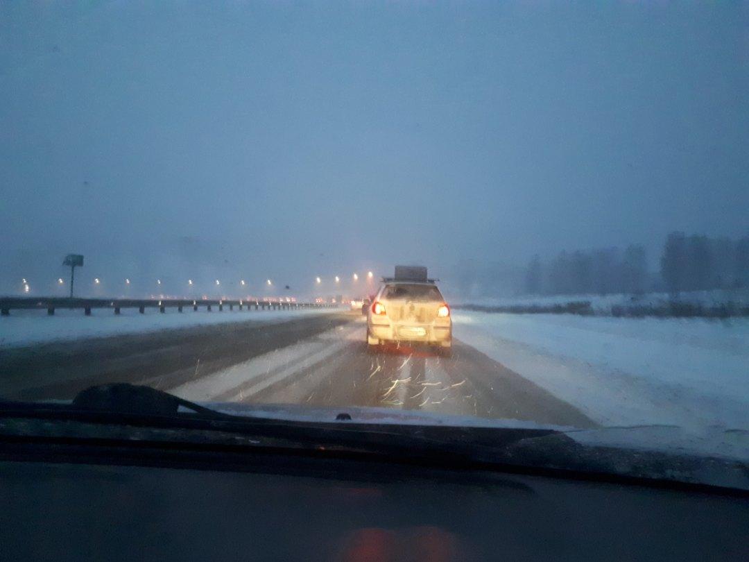 «Стоим в Симе на Уфу», - сообщают в соцсетях водители. «Стоим в сторону Челябинска перед г. С