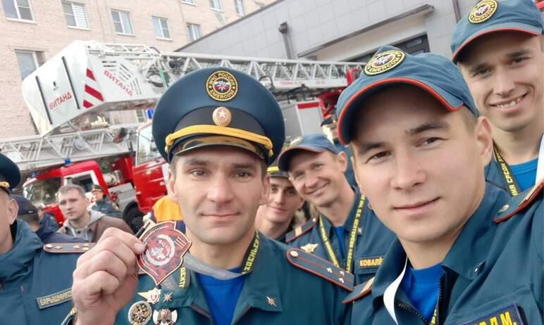 В Санкт-Петербурге прошел финал соревнований среди звеньев и отделений газодымозащитной службы на