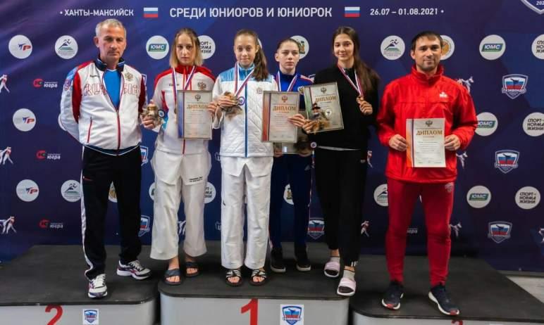 Тхэквондисты Челябинской облвсти завоевали пять наград первенства России среди юниоров и юниорок.
