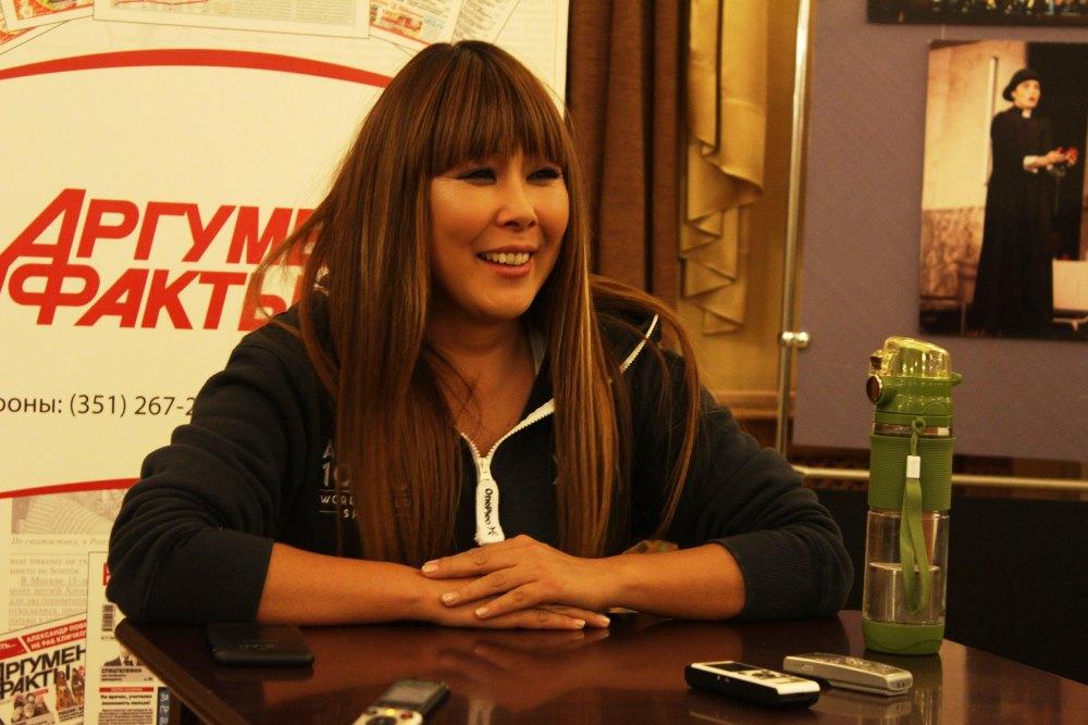 Анита Цой выступила в Челябинске с юбилейной шоу-программой «10/20». Десятая по счету конц