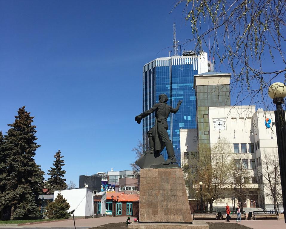 В Челябинске празднование начнется в 10 часов с церемонии возложения цветов и ве