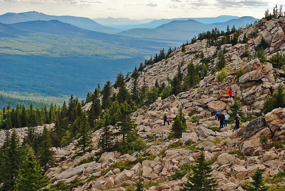 В национальном парке «Зюраткуль» сотрудники стали проводить необычный квест. Эко-тропа на хребет