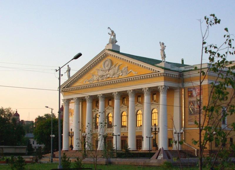 В 10 часов 30 минут начнется спектакль «Винни-Пух для всех, всех, всех!» (Государственный областн