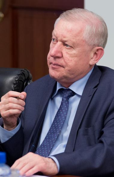Партия «Единая Россия» приостановила членство бывшего главы Челябинска и Магнитогорска , экс-вице